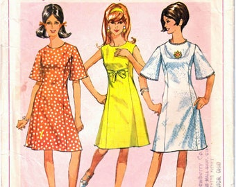 Simplicity 6936 Woman Princess Seam A-Line Dress Knee Length, Bell Sleeve How-To-Sew Mod Dress Sewing Pattern Size 14 Teen Vintage 1960's