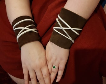 Leather wraps a pair