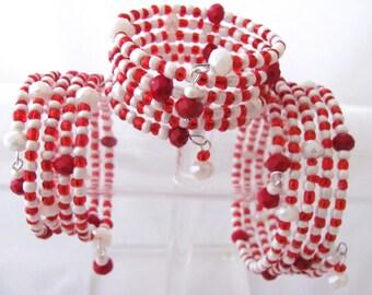 Christmas Bracelet Candy Stripe Bracelet Holiday Bracelet Red Bracelet White Bracelet Memory Wire 3 Sizes Available Girlfriend Gift