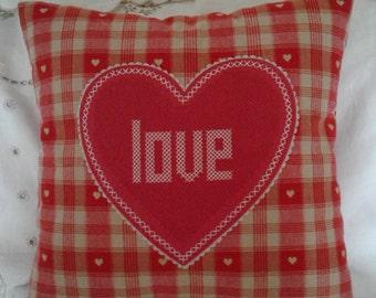 Red/linen heart cushion