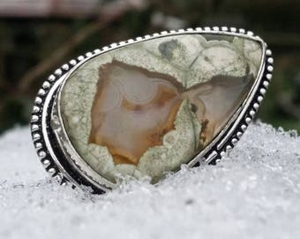Rhyolite ring, silver 95, size 6 US : the quiet strength