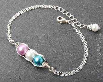 Peas in a Pod bracelet, personalized peas in pod bracelet, Birthstone bracelet mother gift, grandmother gift, family bracelet