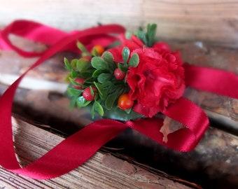 Red flowers & berries bracelet