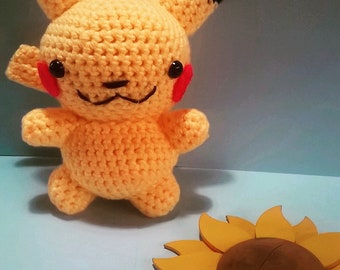 Pikatschou is a crocheted children's toy. He ähndelt a game character from a well-known computer game.
