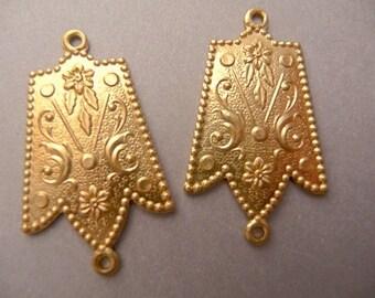 2 Connectors - Brass Flower Die Struck Pendant Victorian