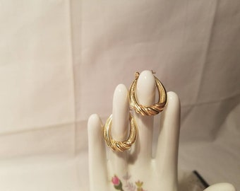 Vintage 14k Yellow Gold Dangle Hoop Earrings