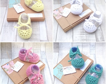 Crochet Baby shoes, baby sandals, gladiator sandals, crochet shoes, yellow, white, pink, green, baby booties, crochet girls shoes,booties