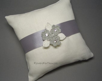 Ring Bearer Pillow Linen, detachable Crochet flower Pin Brooch, Silver White Winter Wedding