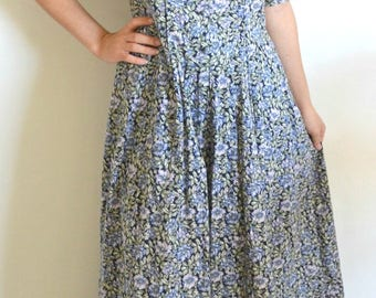 50% OFF EVERYTHING Laura Ashley Floral Vintage 80's Dress, vintage dress, ditsy floral dress, tea dress, summer dress, 80's clothing