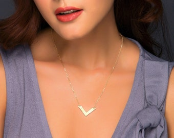 V Necklace, Gold Chevron Necklace, V Shaped Necklace, Personalized Silver Name Necklace, Rose Gold Triangle Charm Necklace, Boho Jewelry