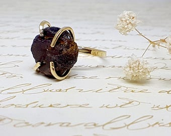Raw Garnet Ring, Raw Stone Ring, Raw Gold Ring, Gold Gemstone Ring, Gold Solitaire Ring, Boho Chic Ring, Bohemian Jewelry, Solitaire Ring