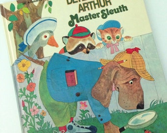 Detective Arthur Master Sleuth - A Golden Book - by Mary J. Fulton - illustrated by Aurelius Battaglia -