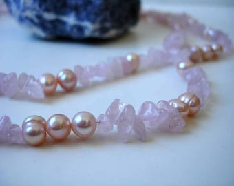 Rose quartz and freshwater pearls necklace