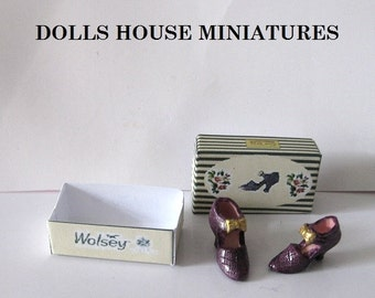 Miniature boxed shoes