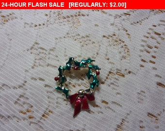 Vintage wreath brooch, estate jewelry