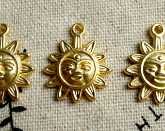 Sun gold charm pendant jewellery supplies C459