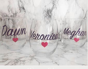 Custom wine glass, Bridal shower gift, maid of honor gift, Bridal gift, custom bridal gift,personalized wine glass, bridesmaid cup