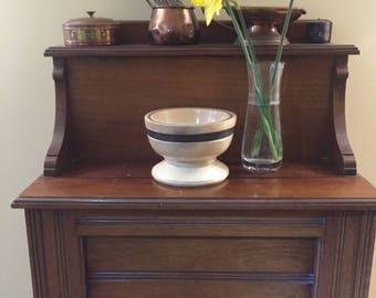 Beautiful hand carved alder bowl