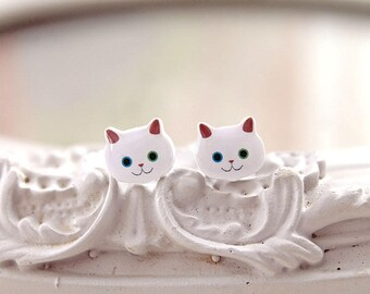 White Kitty cats  Earrings cute kawaii mismatched eyes blue green