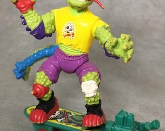 Vintage Teenage Mutant Ninja Turtles 1990 MONDO GECKO action figure complete TMNT