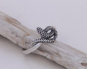 Sterling silver snake ring / snake ring / sterling silver serpent ring / protective amulet / serpent / snake / amulet / serpent ring / 24