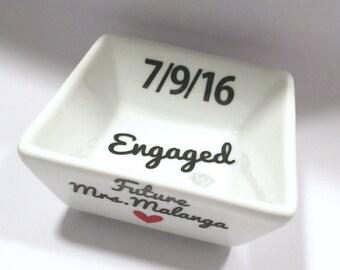 Customized Engaged Gift, Engagement Gift, Personalized Ring Dish, Ring Dish, Future Mrs Gift, Engaged Ring Dish, Engagement Ring Dish