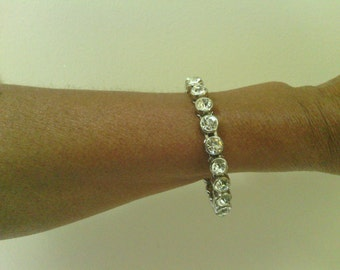 Vintage Bling! Round Rhinestone Bracelet.