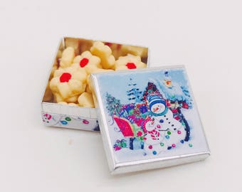 Miniature Cookies tin,Miniature Christmas Cake,Miniature Bakery,Miniature Sweet,Dollhouse cake,Dolls and Miniature
