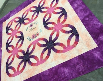 Double wedding ring quilt. Purple quilt. Queen /full size quilt. Heirloom quilt. Wedding gift. Patchwork quilt. Homemade quilt sale. Custom.