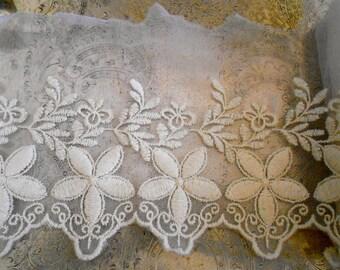 Ecru Floral Stitched Trim
