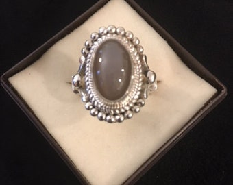 Moonstone and fine silver Ring