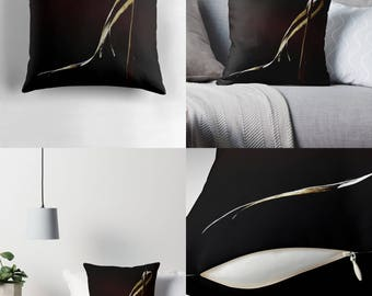 Throw Pillow - Pillow Cover — Needle 'n' Thread / Image of Alluring Curl of Split Blade of Golden Dried Meadow Grass / Spun Polyester