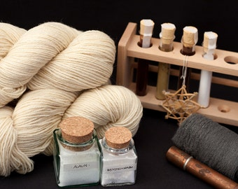 Natural Dye Kit - purple/blue,  red and yellow - organic wool - dyeing with plant extracts