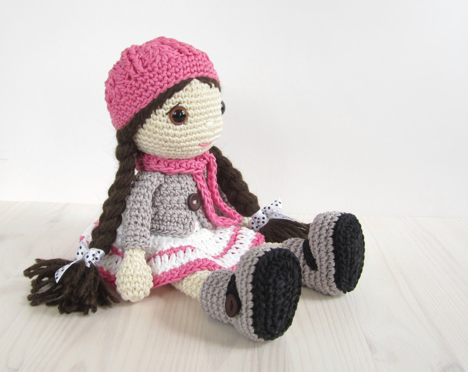 Amigurumi doll pattern : Pattern: doll girl in a dress jacket boots and hat