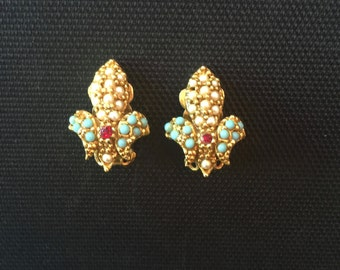 Vintage ART Fleur de Lis Earrings