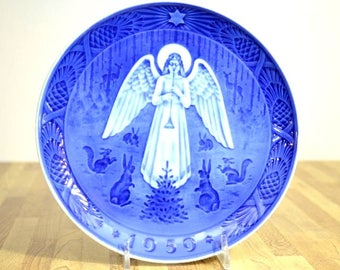 Vintage Blue and White Royal Copenhagen Denmark Hans H Hansen 1959 Christmas Night Danish Ceramic Plate Julen At Bing Grondahl B and G
