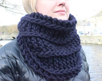 Chunky 100% Wool Cowl in Midnight Blue