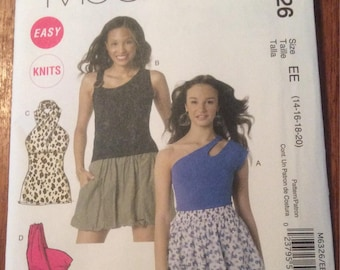 McCalls 6326 - Plus size tops