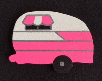 Vintage Travel Trailer Magnet - Classic Shasta in Pink