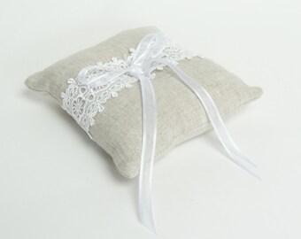 linen ring pillow // ring pillow // linen ring bearer pillow // lace ring bearer pillow