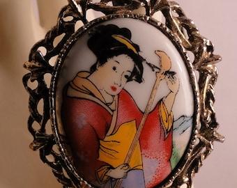 Beautiful Geisha Lady Brooch/Pendant/Necklace Combination