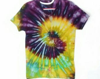 Chartreuse Yellow Green and Purple Ice Dyed Tee men's size Small