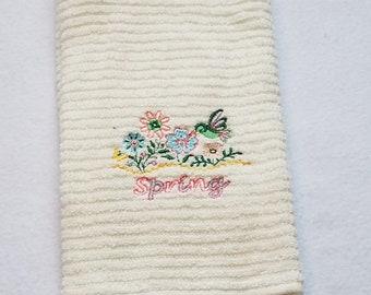 Spring Towel - Kitchen Towel - Dish Towel - Spring Dish Towel - Tea Towel - Spring Tea Towel - Hand Towel - Flower Hand Towel - Spring Towel