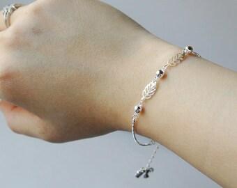 Leaves charm bracelet in 925 sterling silver, Italian silver box chain bracelet, dainty sterling silver bracelet, girl bracelet leaf charms