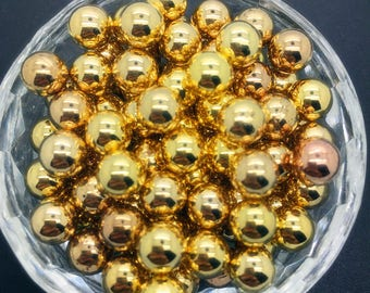 12 pearls 8 mm acrylic non-pierced Golden