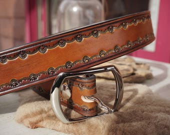 """1.5"""" Leather Belt, Hand tooled on American Hide, Chocolate and Saddle Tan Oil Dye, Solid Brass Buckle, Custom fit Ukko Leather"""