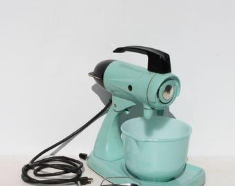 Vintage Sunbeam Mixmaster Mixer Aqua Turquoise 1 Matching Glassbake Mixing Bowl Beaters Working 12 Speed Retro Mid Century Farm Decor