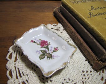 Small Porcelain Trinket Tray - Moss Rose - Gold Brushed Accent