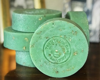 Lucky Charm - Artisan Handmade Soap with Oatmeal | Vegan Friendly | Irish ~ St Patrick Day ~ Good Luck Charms | Four Leaf Clover & Glitter
