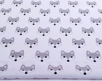 Fabric 100% cotton grey Fox (foxes) on a white 50 x 160 cm, 100% cotton fabric printed accessories.